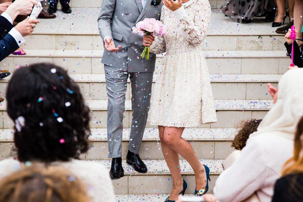 結婚式の披露宴や二次会はチャンス!