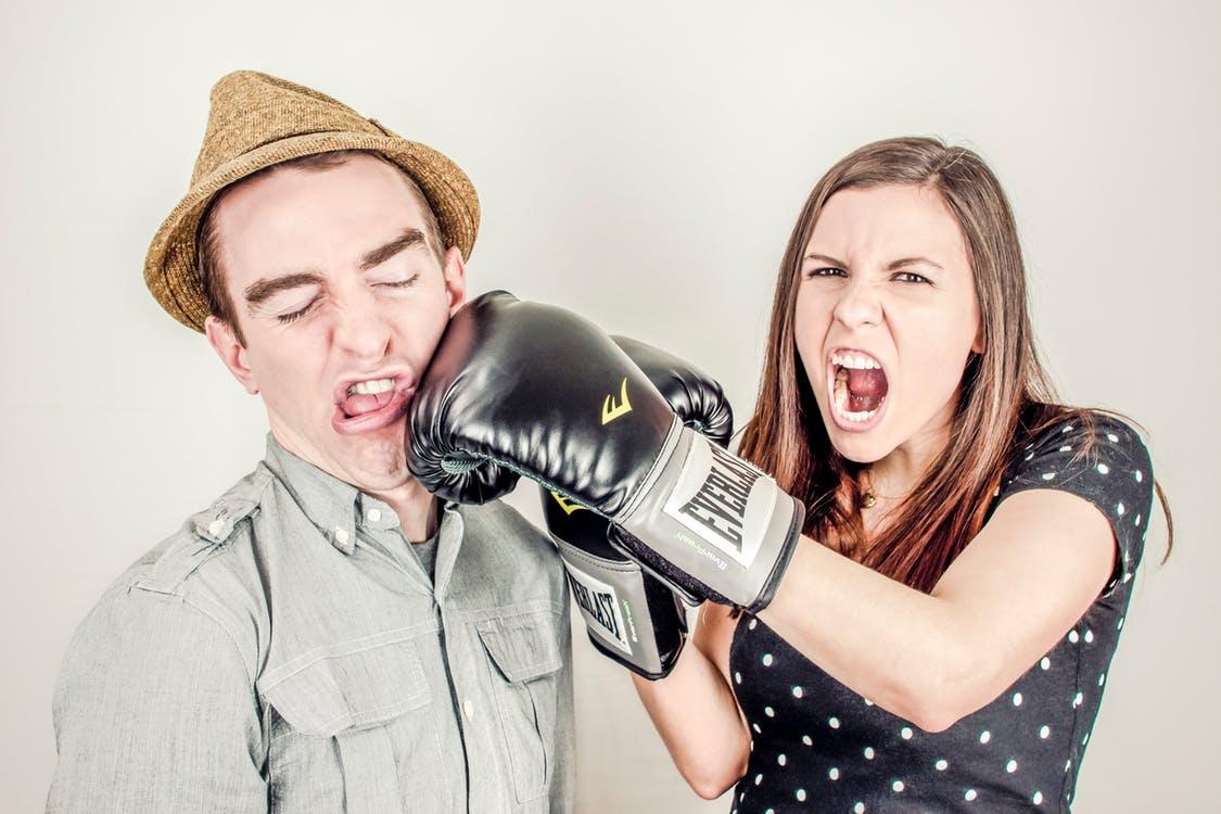 結婚したい症候群の女性の特徴は男性に結婚のプレッシャーをかけてしまうこと