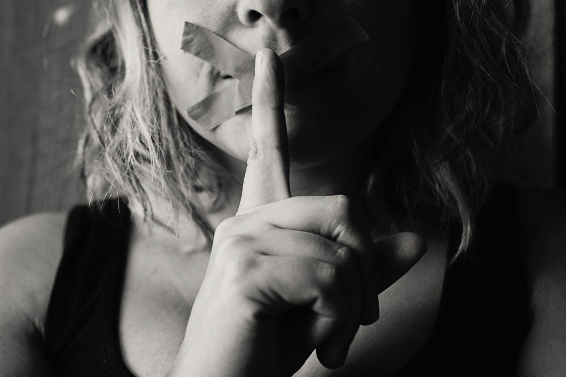 彼氏との結婚を遠ざけてしまうNG行動は、両親に無理やり会わせようとすること
