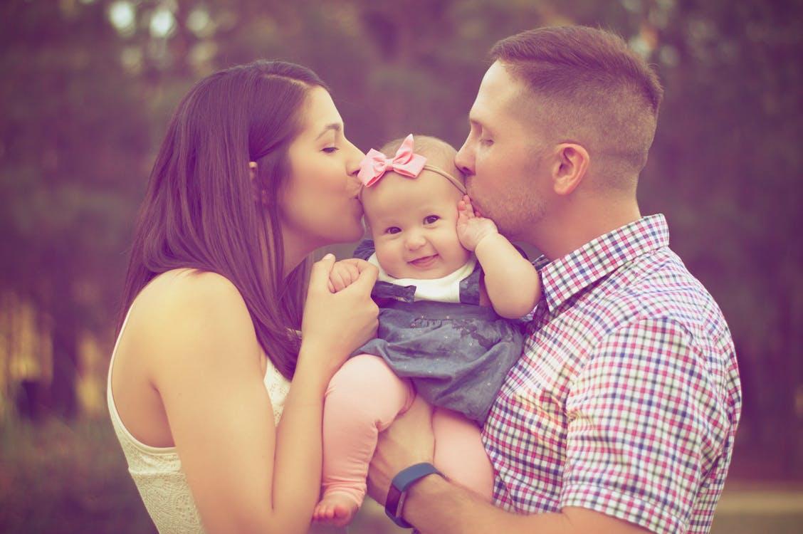 彼氏に「結婚したい」と思わせる方法は、妊娠出産の話をすること