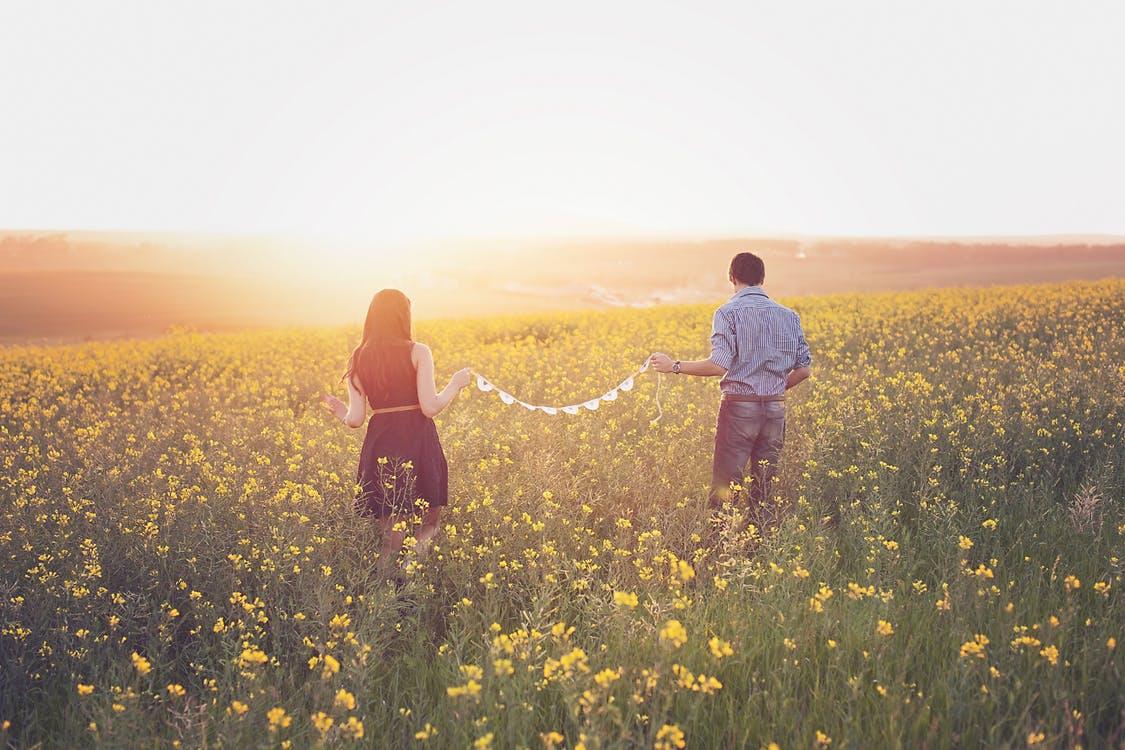 男性が「結婚したい」と感じる瞬間は?