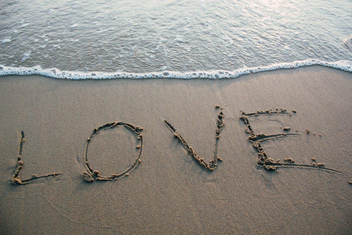 恋愛脳の人の特徴その5