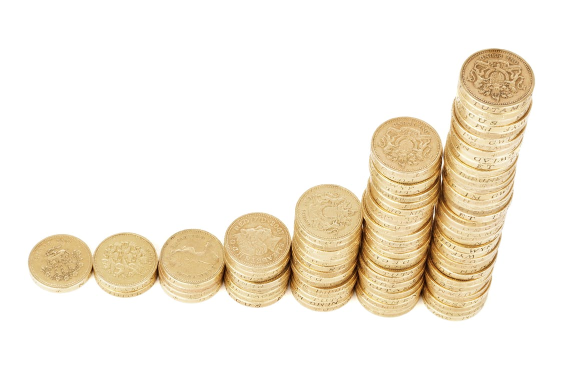 結婚に必要な年収の最低ラインは?