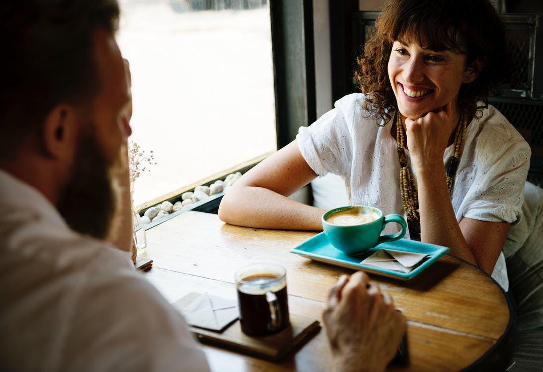 婚活デートでチェックするべきお相手の言動6