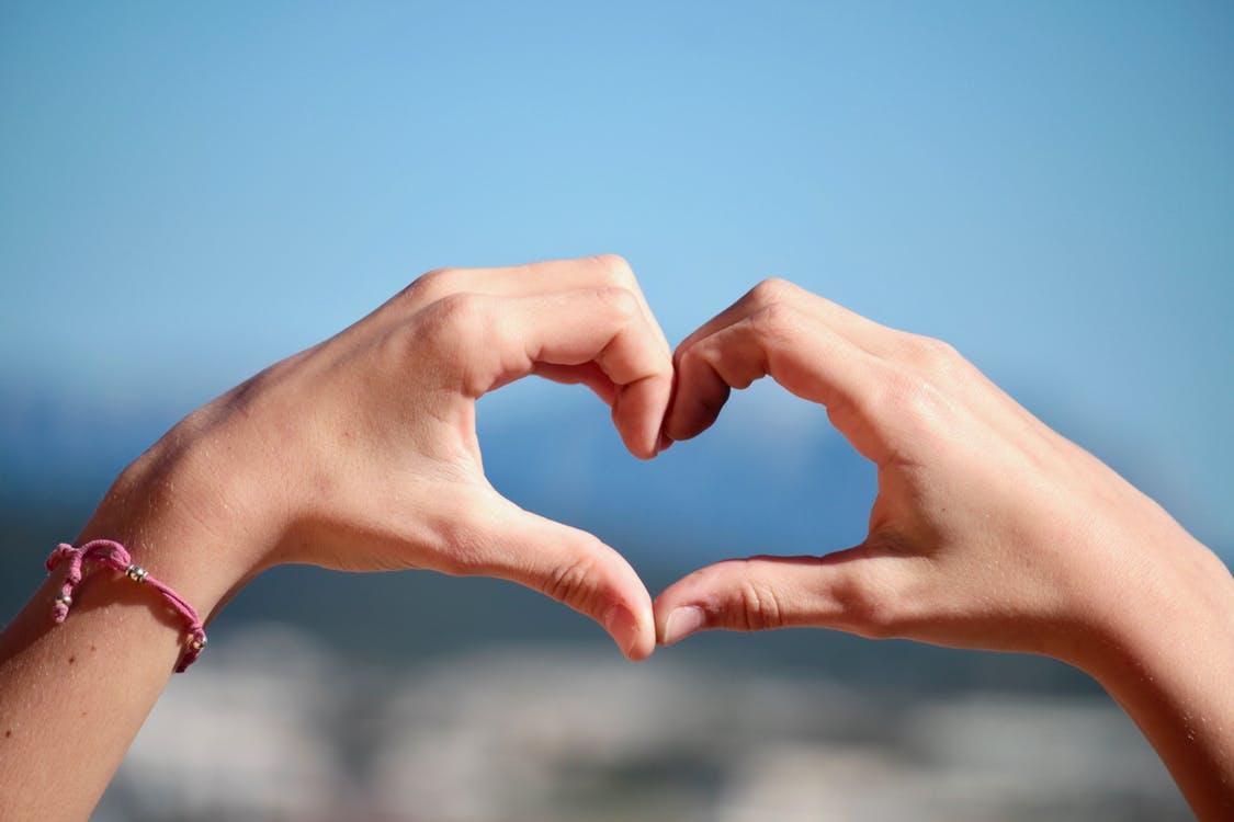好きな人を振り向かせるアプローチ方法12